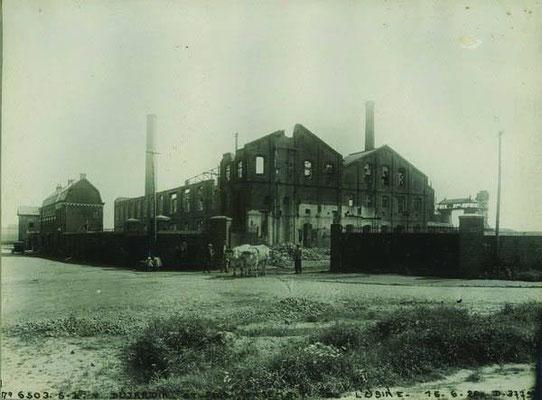 La sucrerie Dujardin à Seclin après les destrcutions d'Octobre 1918