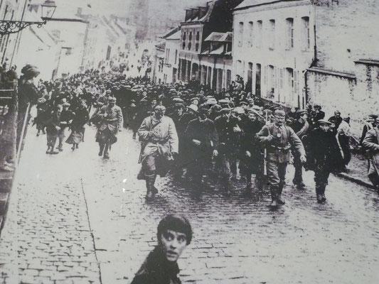 Civils réquisitionnés en tant que ZAB à Solre le Château dans l'Aisne