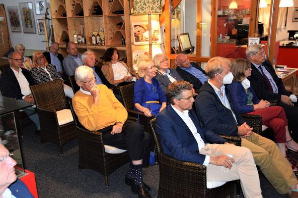 Mitglieder und zahlreiche Gäste – interessierte Zuhörer