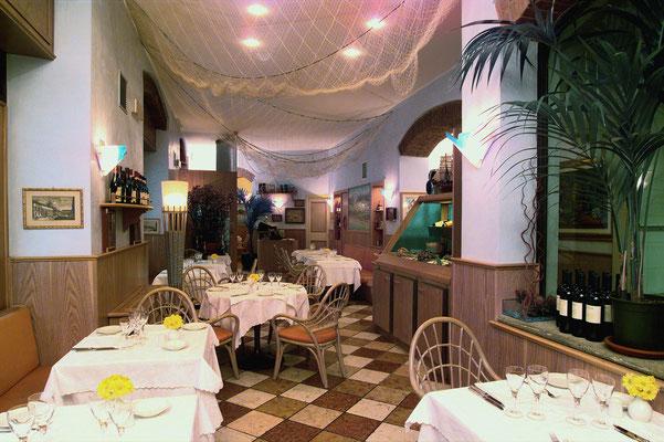 Arredamenti ristoranti arredamenti pizzerie a milano for Arredamenti in brianza