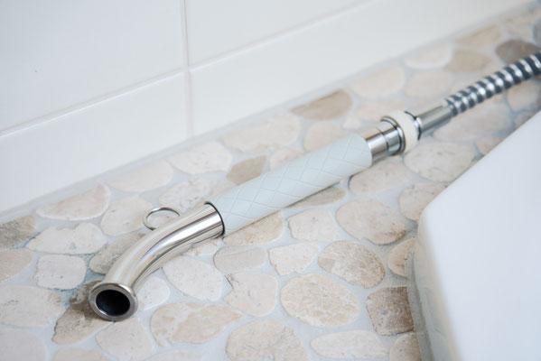 Wassergießrohr mit Schnellkupplung angeschlossen