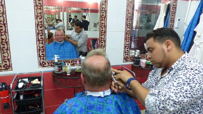 Mon petit-cousin passe chez le coiffeur