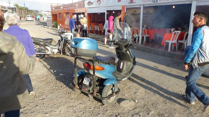 Tiens ! un scooter à 4 roues !