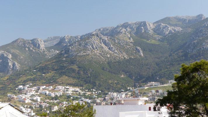 Tetouan est bâtie à flanc de montagne