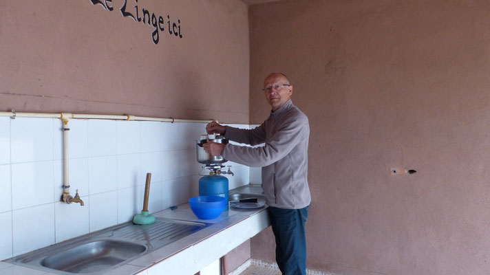 Jean-Paul cuit la gelée de clémentines