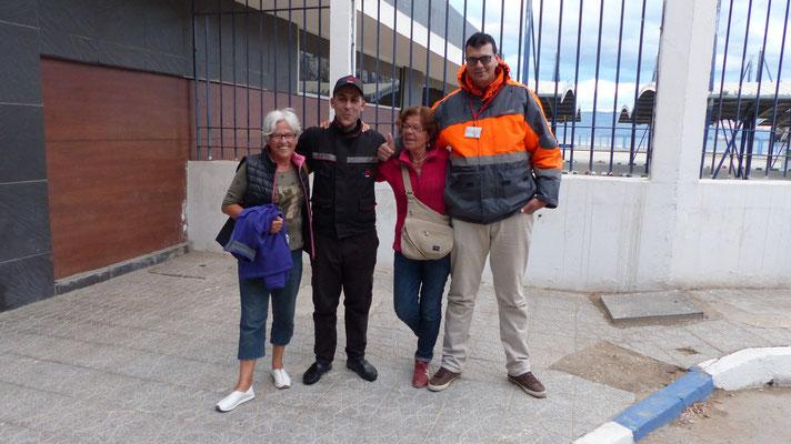 Nos gardiens veilleront sur nous à la gare maritime d'Al Hoceima