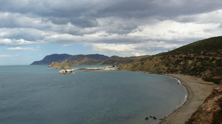 Du camping, jolie vue sur le port en travaux