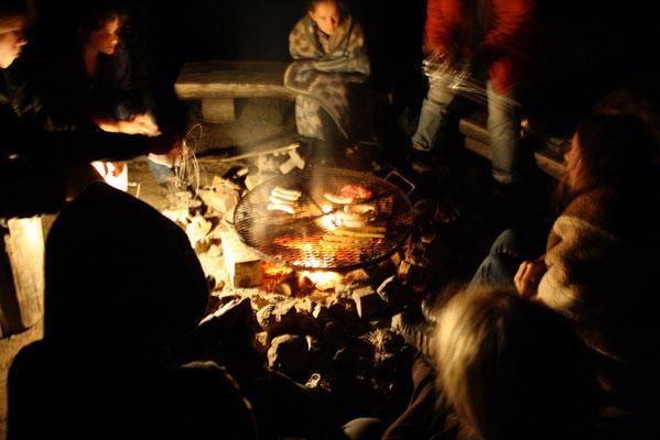 gemeinsamer Abend am Feuer
