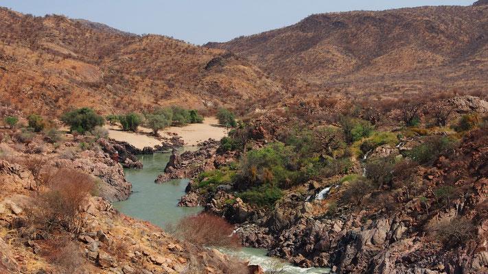 Trek en pays Himba ; Namibie