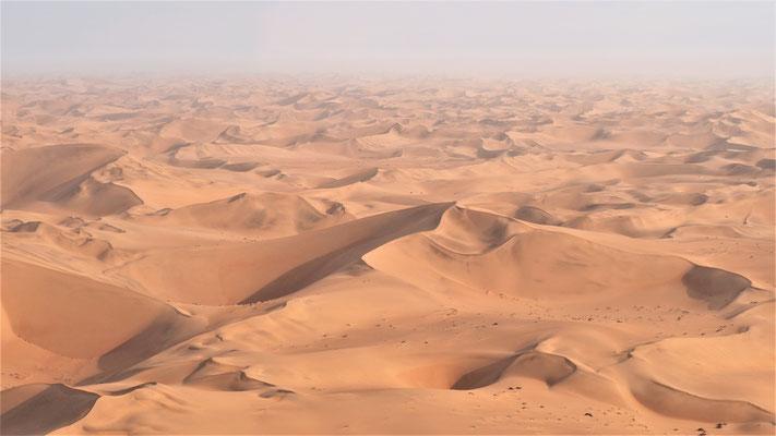 Survol du Namib ; Dunes pyramidales ; Namibie