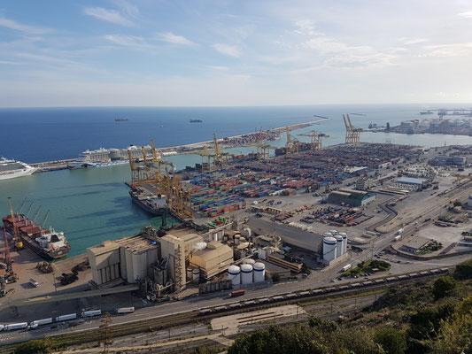 Aussicht vom Montjuíc Teil 2 - der Hafen Barcelonas