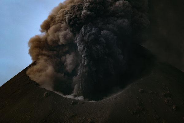 Krakatau am Tag [600 mm / f8 / ISO 100 / 1/400 Sek.]