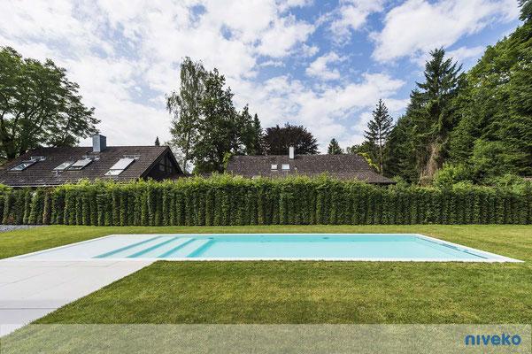 Schwimmbecken Advance 8 Gartenansicht © NIVEKO / Aquakonzept Schwimmbadtechnik