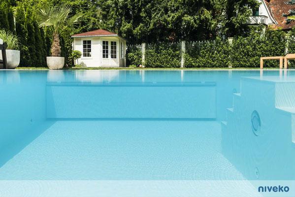 Schwimmbecken Multi 4 © NIVEKO / Aquakonzept Schwimmbadtechnik