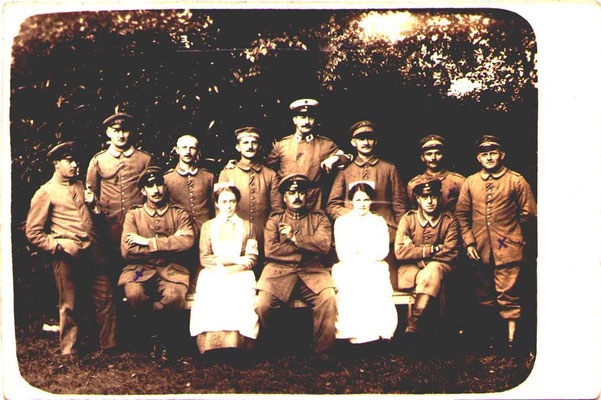 Sanitätspersonal EK2 1914 am schwarz-weißen Band (Trageweise nach Verleihungstag)