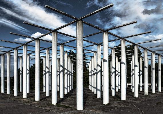 Stangenwald auf dem Killesberg - Skulptur Hans Dieter Schaal