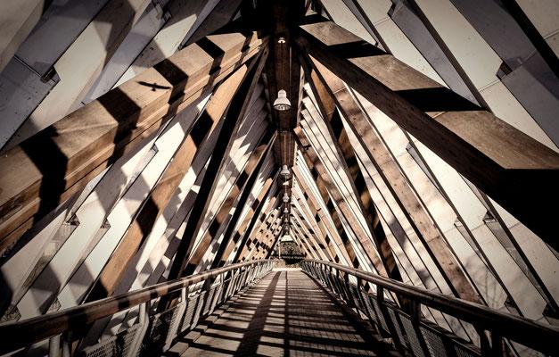 Fußgängerbrücke über den Neckar