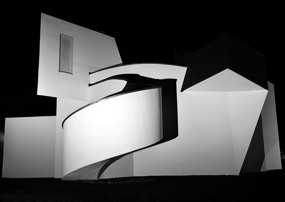 Vitra Designmuseum  @night - Arch. Frank O. Gehry