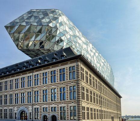 Havenhuis in Antwerpen - by Zaha Hadid
