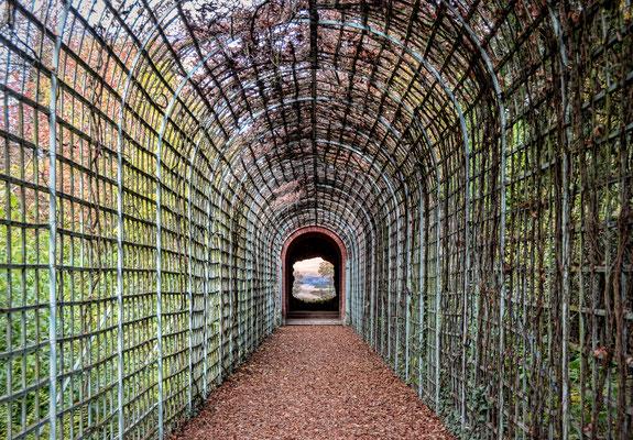 "Schloss Schwetzingen: Garteninstallation ""Das Ende der Welt"""