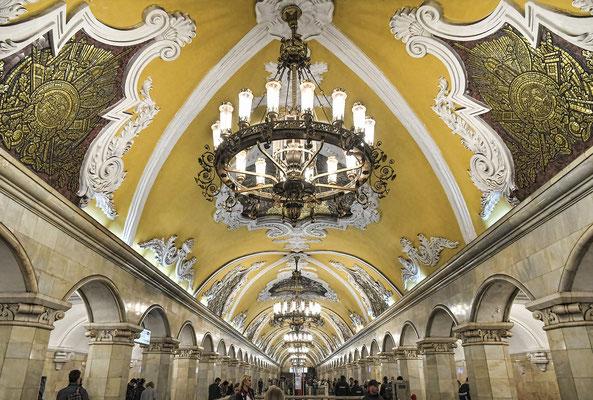 Metro Komsomolskaja