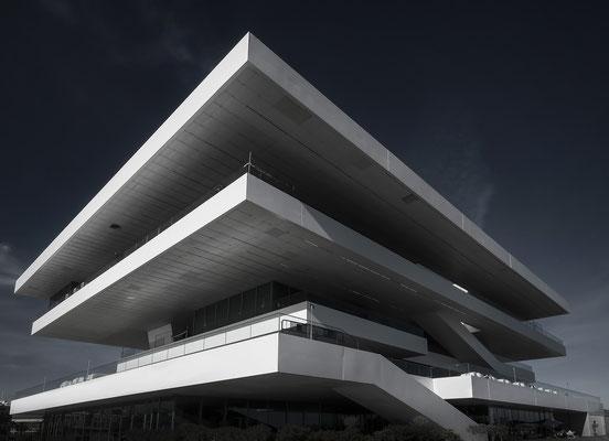 Veles e Vents  - Gebäude von David Chipperfield im Yachthafen