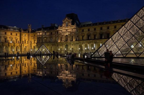 abends am Louvre