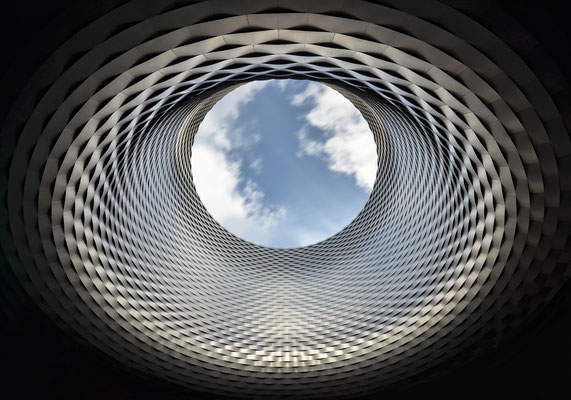 "Neue Messe - ""Fenster zum Himmel"" - Arch. Herzog & de Meuron"
