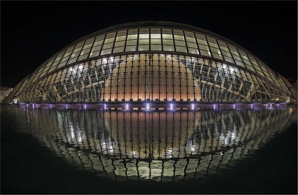 L'Hemisfèric - Planetarium und Kino