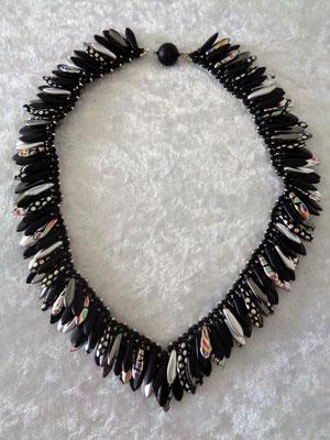 """Peacock feathers"" in schwarz 65 € verkauft"