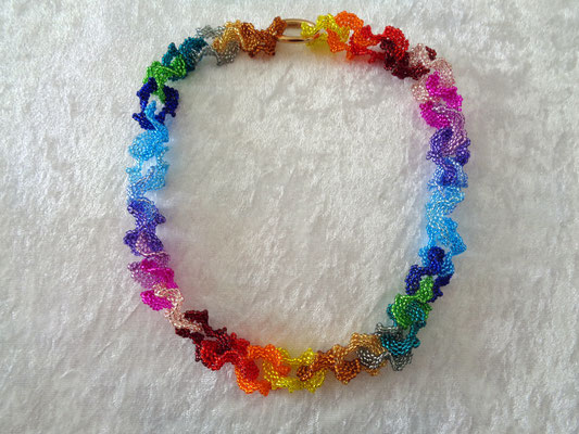 """Color connection"" Regenbogen 55 Euro"