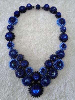 Collier Flora in dunkelblau verkauft
