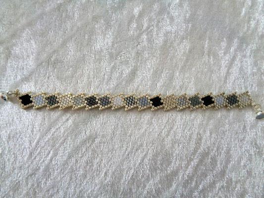 Armband 18 Euro verkauft