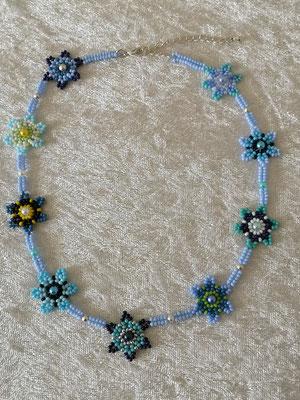 Blumenkette Blautöne 25€