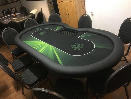 Maße: 2,40m x 1,20m, individuell bedrucktes Casino-Tuch, Chiptray, Chrombeine