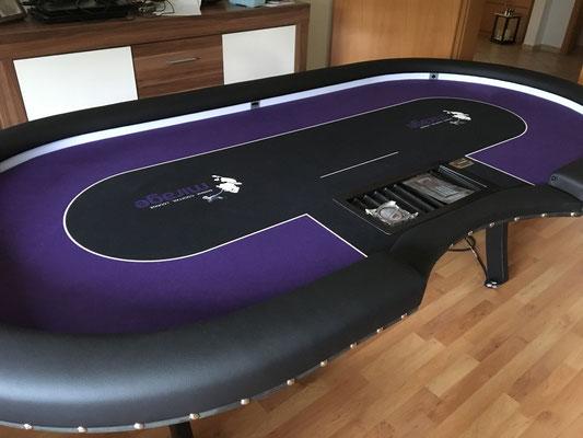 Maße 2,40m x 1,20m, individuell bedrucktes Casino-Tuch, LED, Dropbox, Ziernägel, Chiptray, H-Gestell