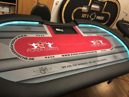 Maße 2,60m x 1,30m, individuell bedrucktes Casino-Tuch, LED, Bandenwerbung, Chiptray X-Gestell
