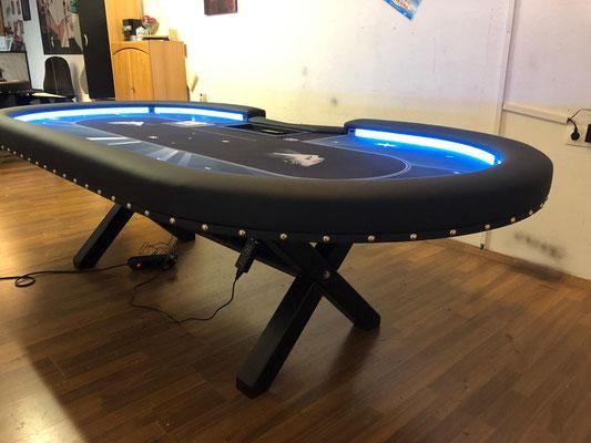 Maße 2,40m x 1,20m, individuell bedrucktes Casino-Tuch, LED, Chiptray , Dropbox, Ziernägel, Shuffle Tech 1000, X-Gestell