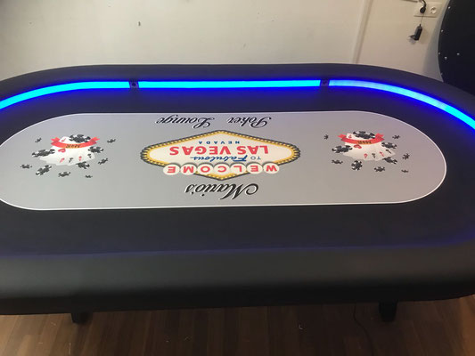 Maße 2,40m x 1,20m, individuell bedrucktes Casino-Tuch, LED, H-Gestel