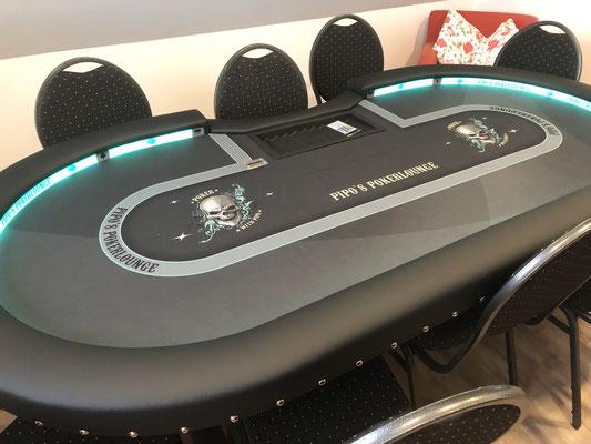 Maße 2,40m x 1,20m, individuell bedrucktes Casino-Tuch, LED, Chiptray , Dropbox, Ziernägel, X-Gestell