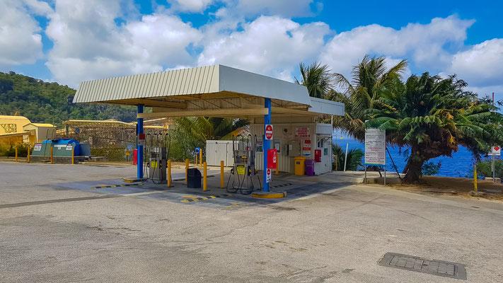 die einzigste Tankstelle auf der Insel