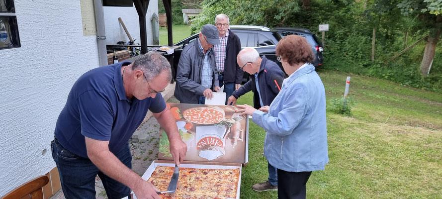Pizza zum Abschuss - Danke dem Spender!