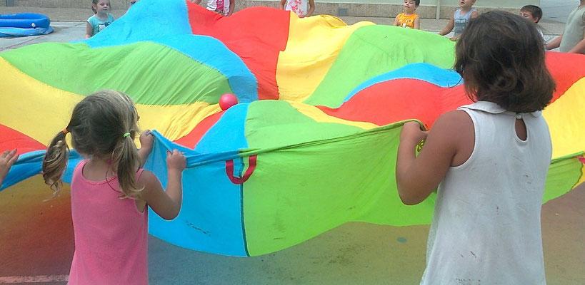 Juegos de paracaídas/Jocs amb paracaigudes