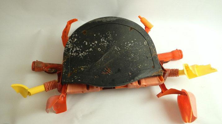 Krab (voor binnen of buiten) 90x70x26cm 250,-