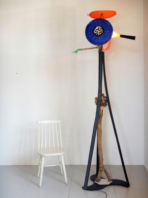 Vrijheid, lichtobject (staand) 85x65x2040cm Maria en Goossen 1495,-