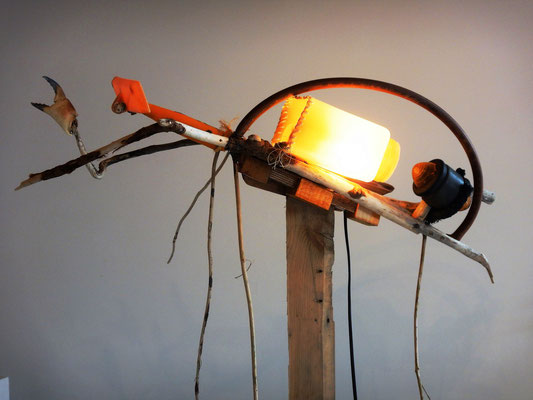 Schipinsect (staand lichtobject, andere kant) 165x60x90cm 495,-