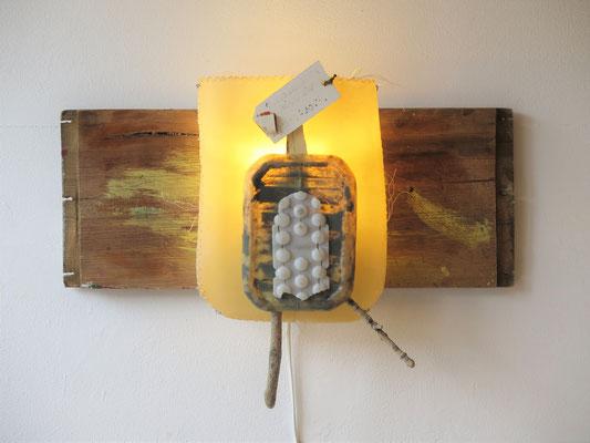 Uitwaaien (wandlamp) 55x40x25cm 325,-
