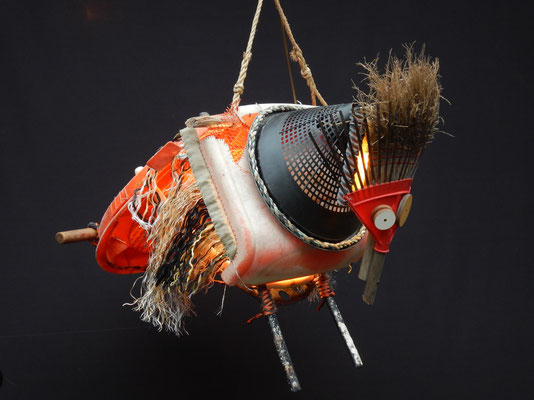 Masker ter viering van de duindoornpluk (hangend) 70x70x100cm 650,-