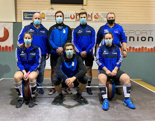 Die siegreiche Mannschaft mit Maske