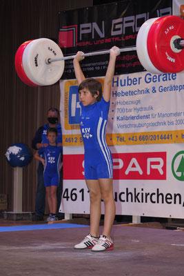 Maximilian mit 21 kg Stoßen - Höchstnote 4,5